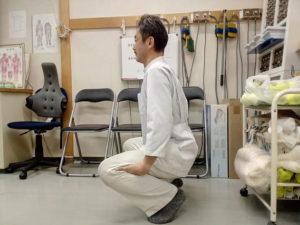 膝のストレッチ1
